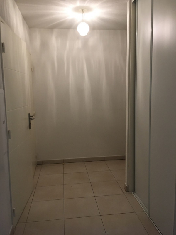 Rental apartment Roquebrune-sur-argens 710€ CC - Picture 3