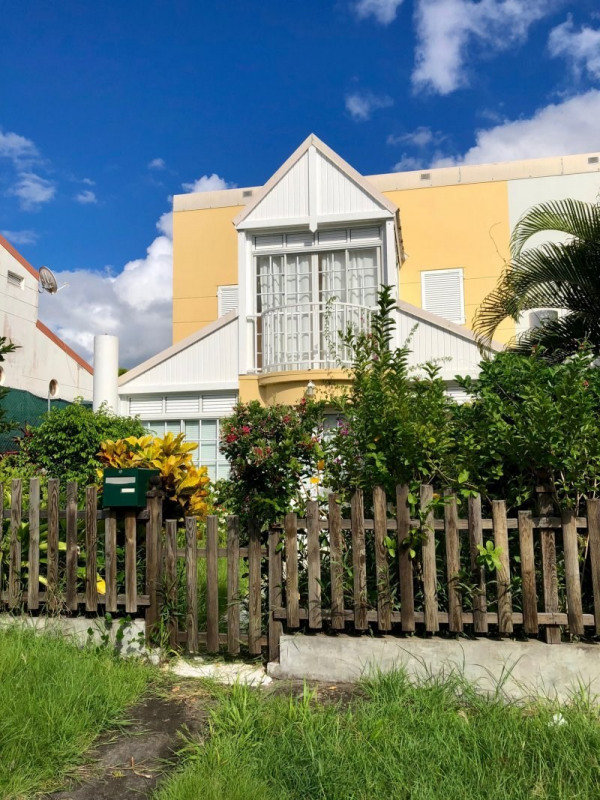 Sale house / villa Schoelcher 245000€ - Picture 2