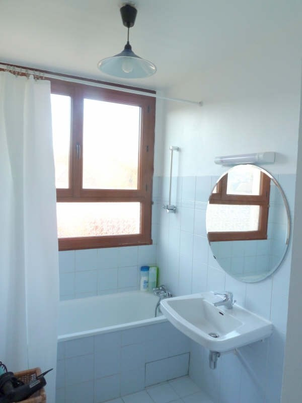 Rental apartment Andresy 915€ CC - Picture 4