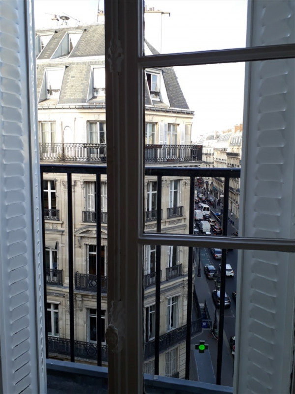 Rental apartment Paris 1er 1920€ CC - Picture 2