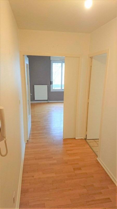 Sale apartment Charbonnieres les bains 199000€ - Picture 3