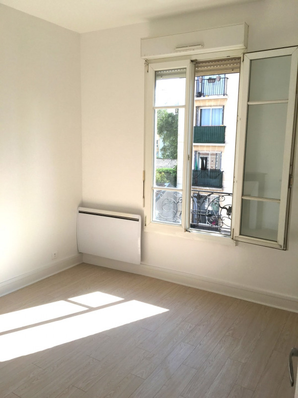 Rental apartment Montreuil 903€ CC - Picture 1