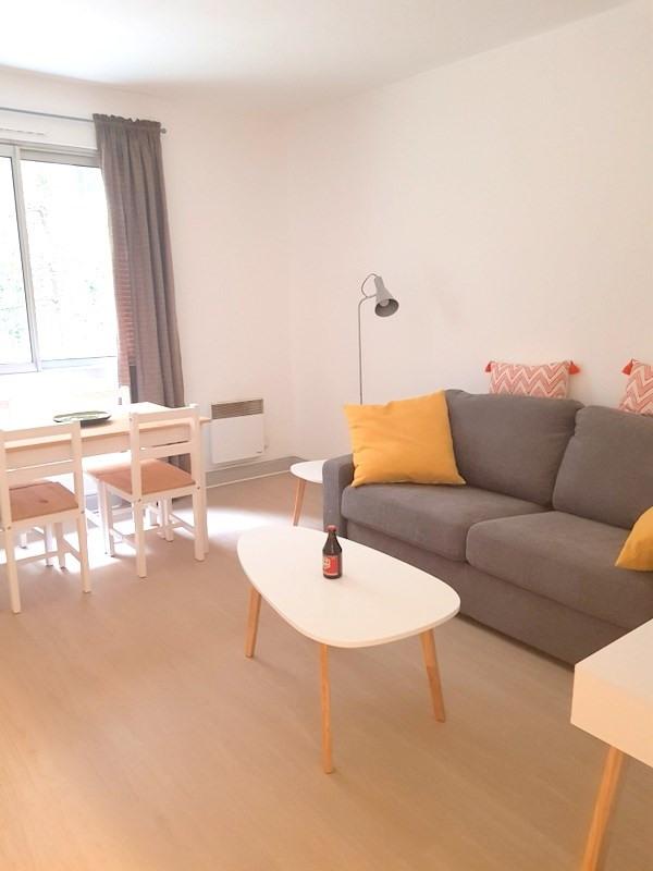 Rental apartment Lyon 2ème 1100€ CC - Picture 1