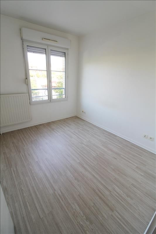 Rental apartment Elancourt 800€ CC - Picture 2