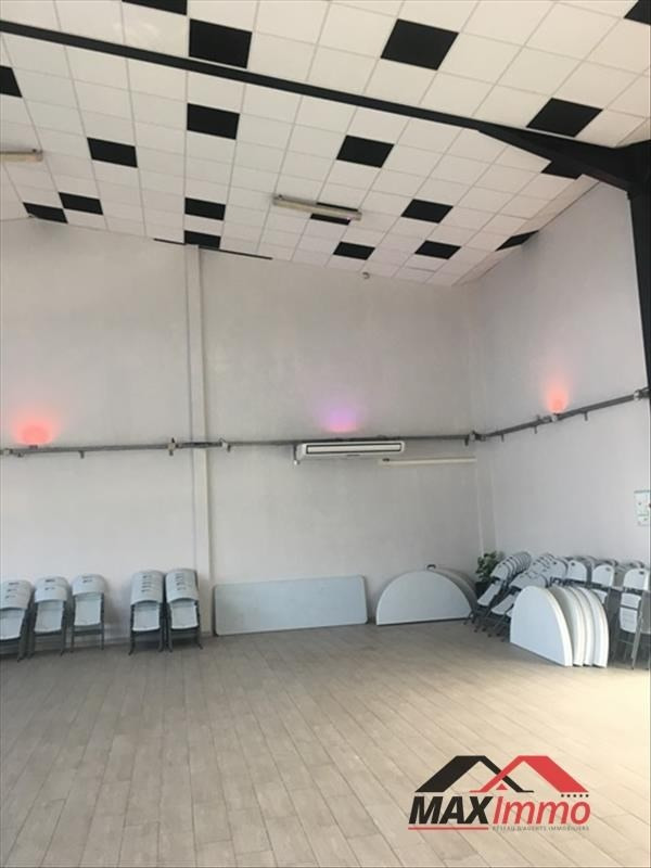 Location local commercial St joseph 3 255€ HT/HC - Photo 4
