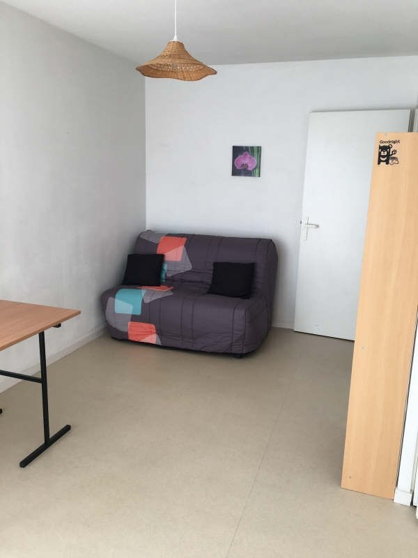 Rental apartment Poitiers 354€ CC - Picture 1