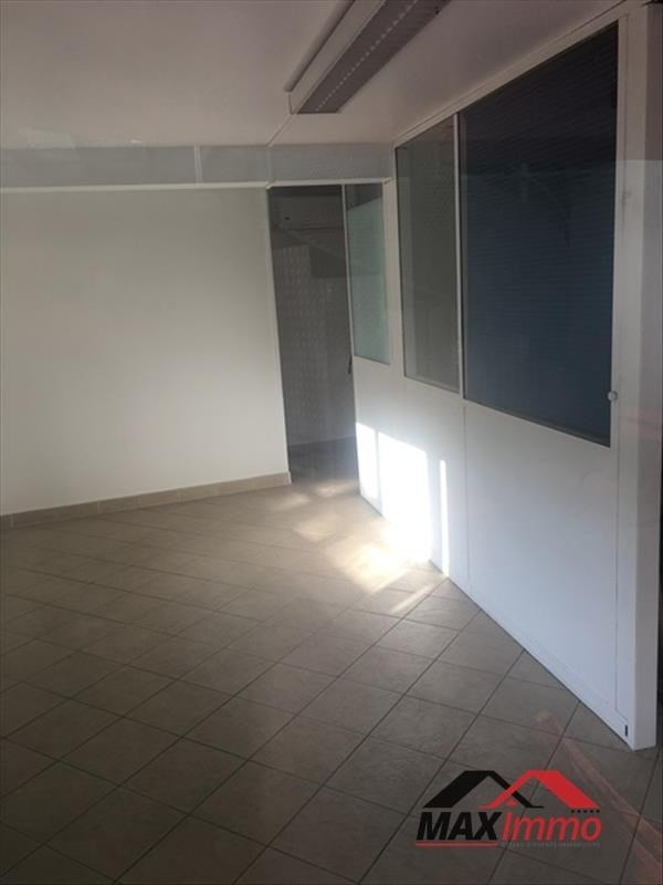 Location local commercial St gilles les bains 1 390€ HT/HC - Photo 1