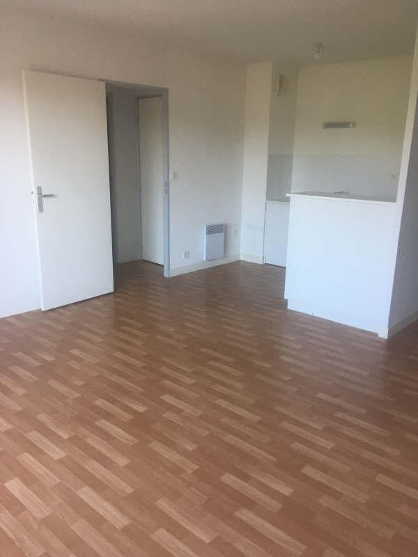 Location appartement Poitiers 463€ CC - Photo 2