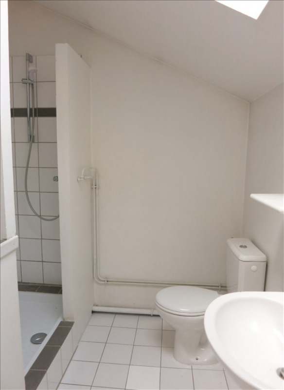 Location appartement Rueil malmaison 754€ CC - Photo 3
