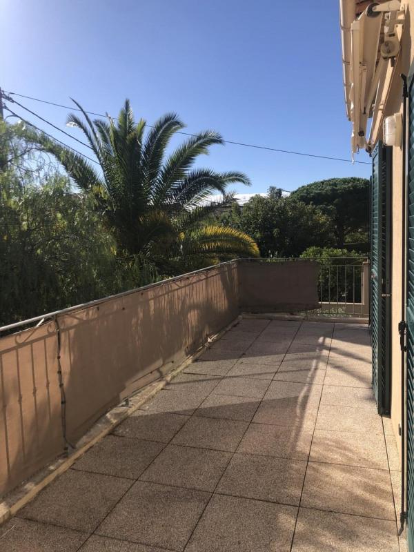 Location appartement Fréjus 870€ CC - Photo 1
