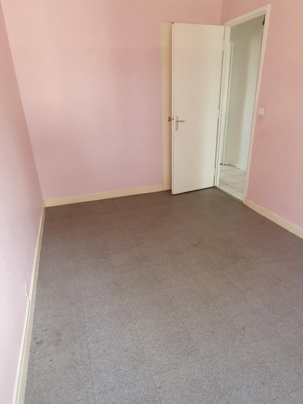 Location appartement Bron 815€ CC - Photo 2