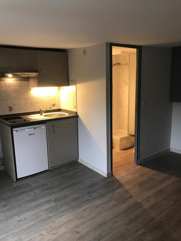 Rental apartment Villejuif 555€ CC - Picture 2