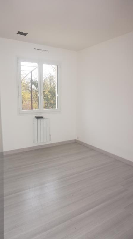 Vente maison / villa Breval proche 250000€ - Photo 7