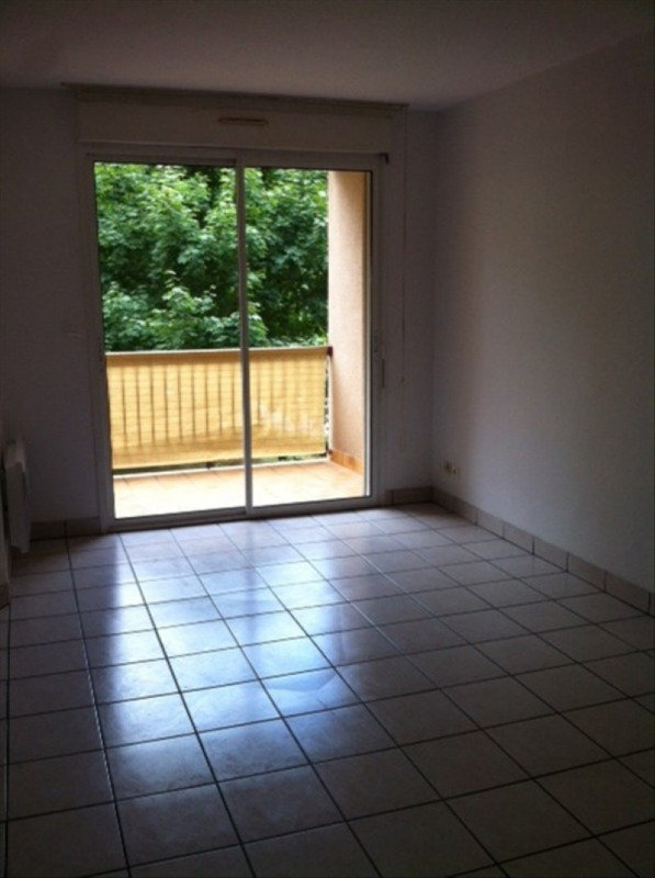 Rental apartment Onet le chateau 478€ CC - Picture 1