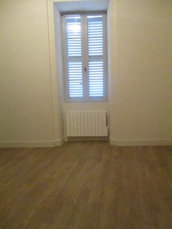 Location appartement Nimes 617€ CC - Photo 8