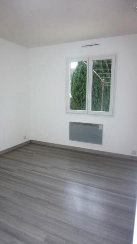Sale house / villa Breval 250000€ - Picture 10