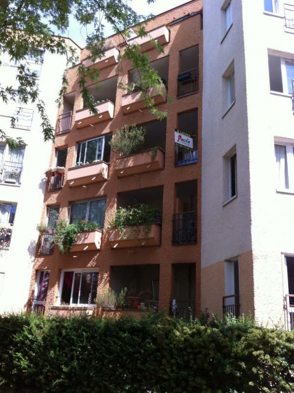 Rental apartment Evry 460€ CC - Picture 1