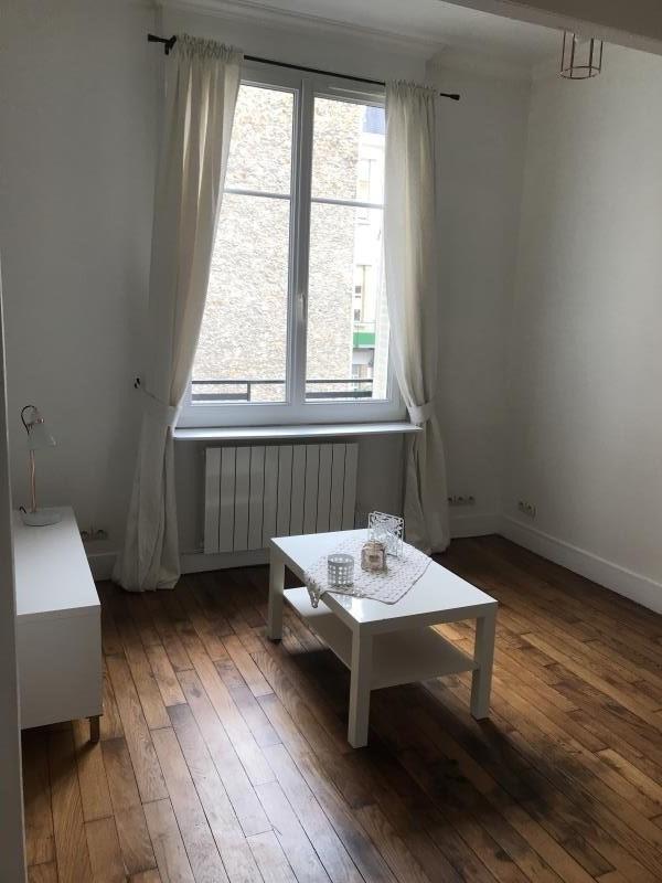 Location appartement Montrouge 795€ CC - Photo 1