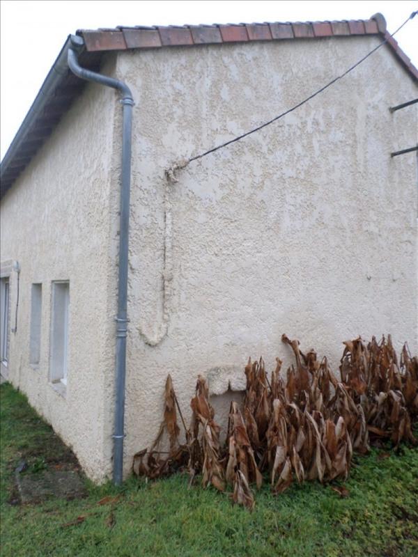 Vente maison / villa Lussac les chateaux 86000€ - Photo 2
