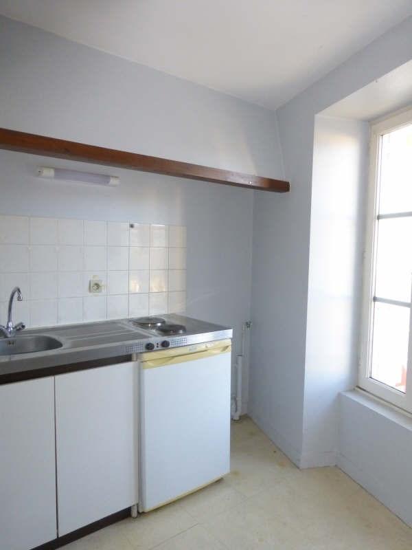 Location appartement Liguge 343€ CC - Photo 2