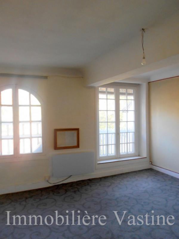 Location appartement Senlis 800€ CC - Photo 3