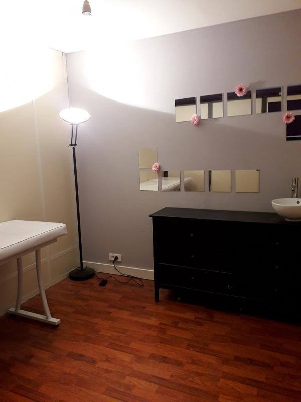 Location local commercial Roinville 670€ HT/HC - Photo 5