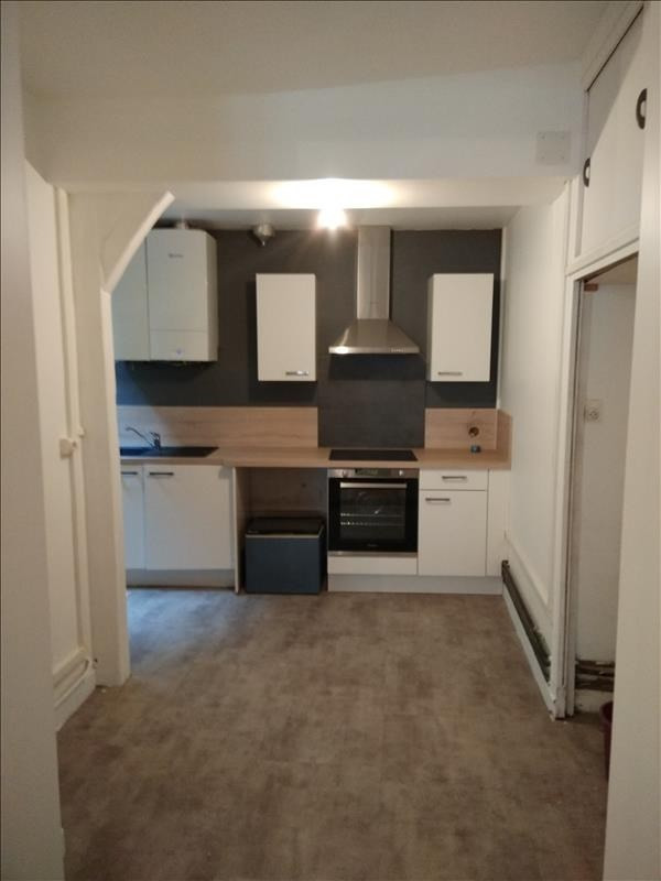 Rental apartment Vendome 550€ CC - Picture 3