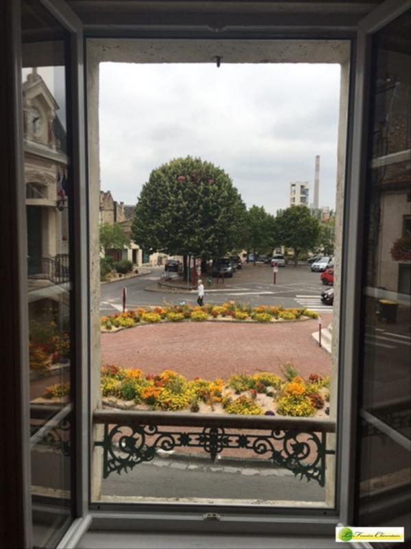 Location appartement La couronne 298€ CC - Photo 3