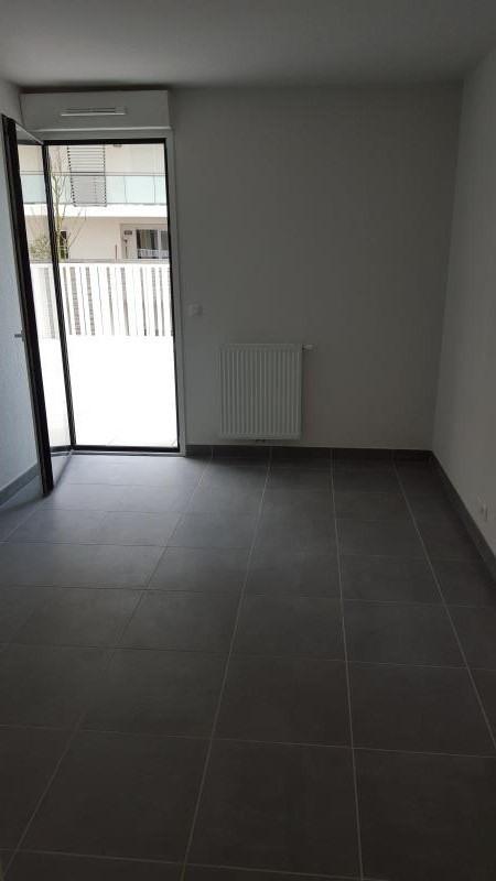Rental apartment Montpellier 720€ CC - Picture 2
