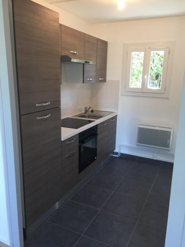 Affitto appartamento Bron 845€ CC - Fotografia 2