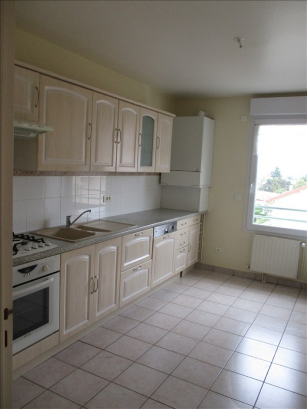 Sale apartment Riorges 117 700€ - Picture 1