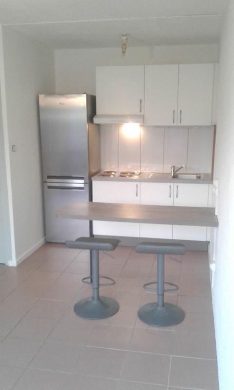 Location appartement Saint-julien-en-genevois 650€ CC - Photo 2