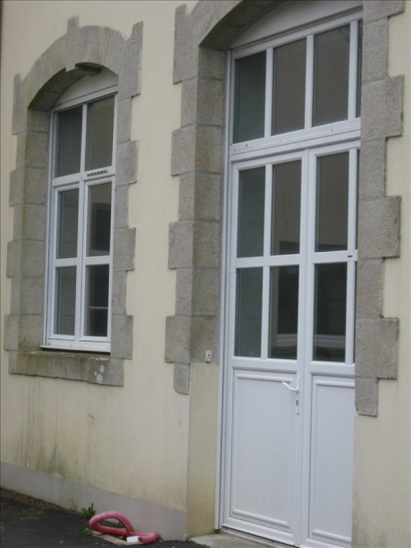 Location appartement 29350 385€ CC - Photo 1