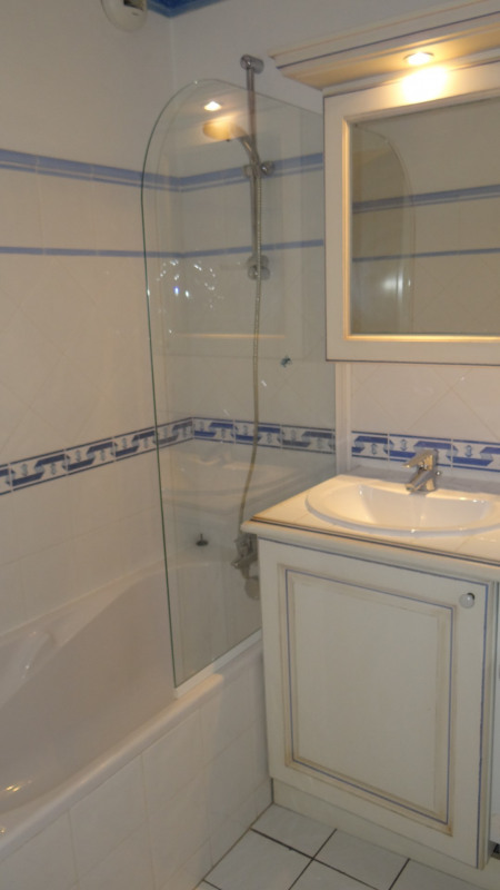 Vacation rental apartment Cavalaire sur mer 1300€ - Picture 14
