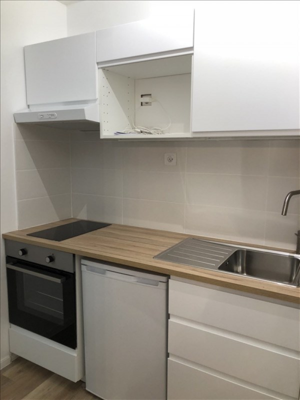 Rental apartment Verrieres le buisson 570€ CC - Picture 4