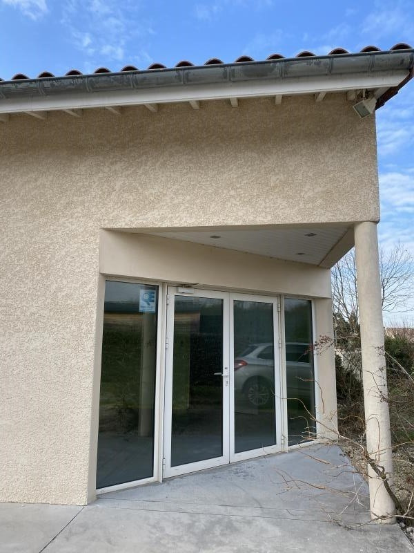 Location local commercial Montvendre 980€ HT/HC - Photo 2