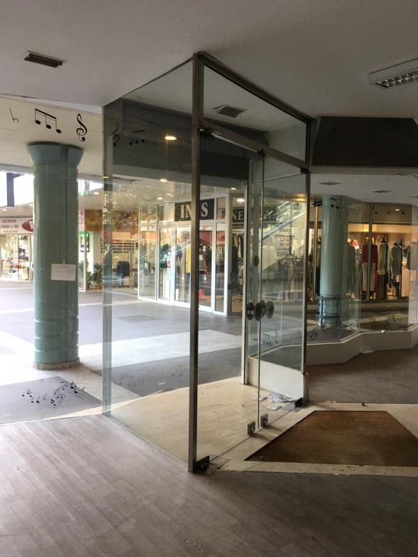 Affitto negozzio Montreuil 2250€ HT/HC - Fotografia 5