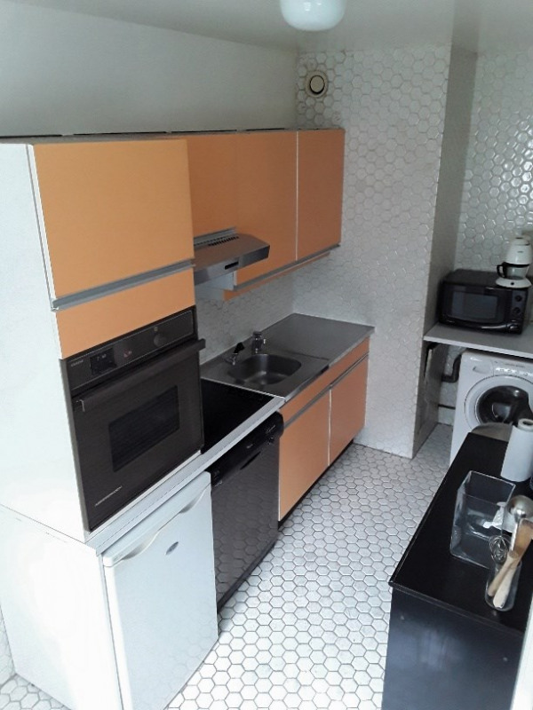 Location appartement Paris 8ème 1 290€ CC - Photo 5