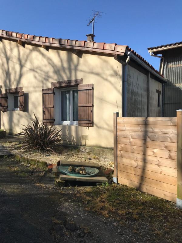 Sale house / villa Le fouilloux 128400€ - Picture 1