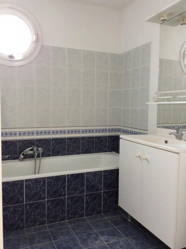 Location appartement Fréjus 882€ CC - Photo 8