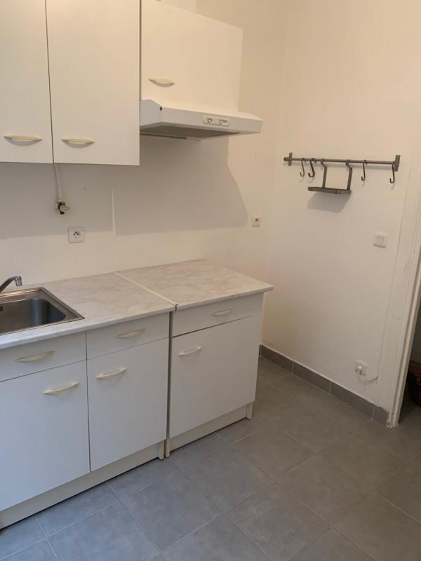 Location appartement Montrouge 952€ CC - Photo 2