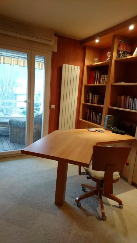 Deluxe sale apartment Gaillard 420000€ - Picture 8