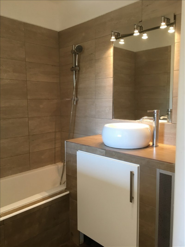 Alquiler  apartamento Charbonnieres les bains 800€ CC - Fotografía 9