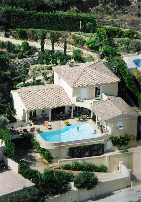Vacation rental house / villa Cavalaire sur mer 5 500€ - Picture 1