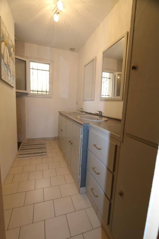Sale house / villa Aze 168000€ - Picture 8