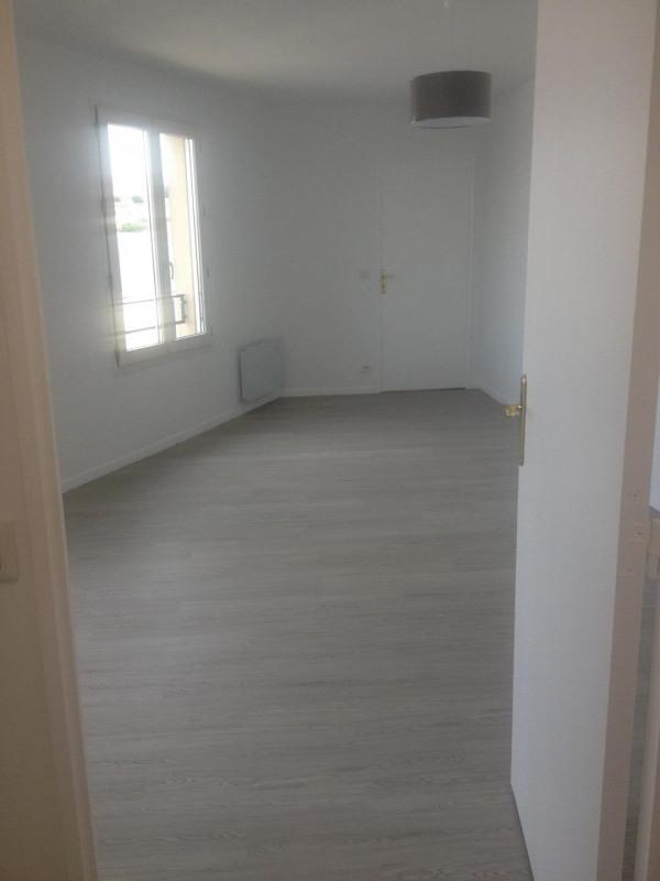 Rental apartment Montlhery 699€ CC - Picture 2