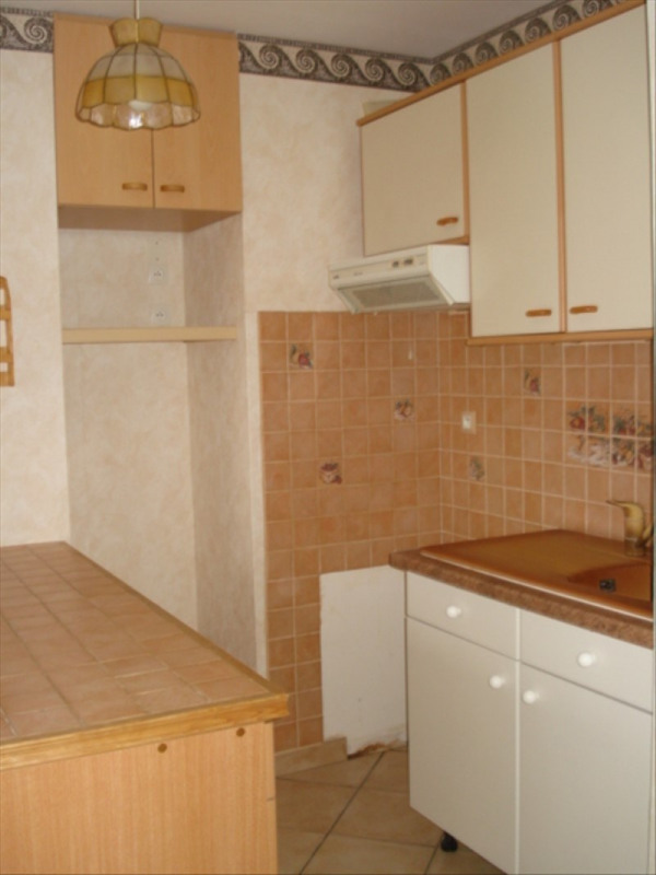 Sale apartment Carrieres sous poissy 110 000€ - Picture 1