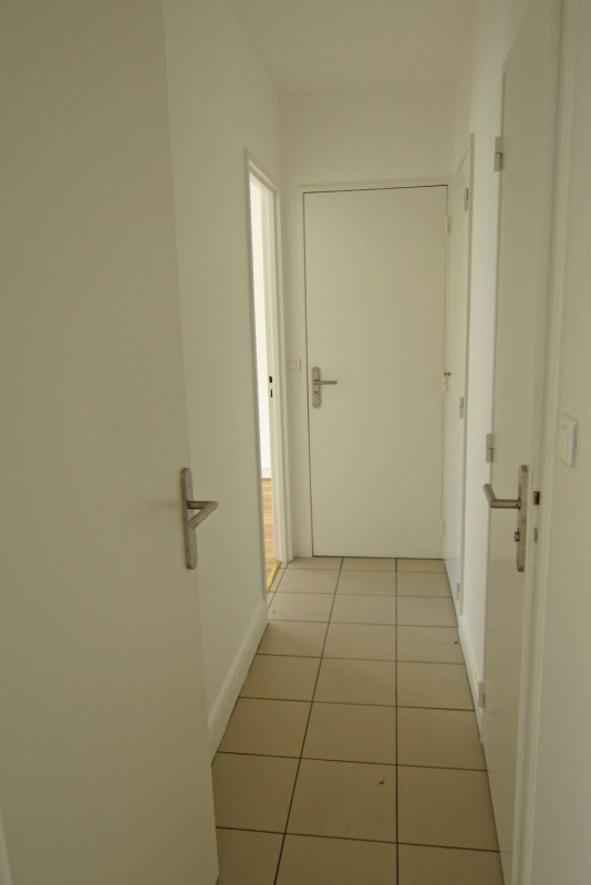 Rental apartment Rueil-malmaison 817€ CC - Picture 17