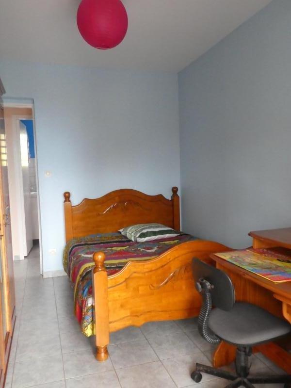 Sale house / villa Les trois mares 320000€ - Picture 5