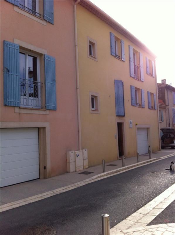 Verhuren  appartement Eyguieres 589€ CC - Foto 7
